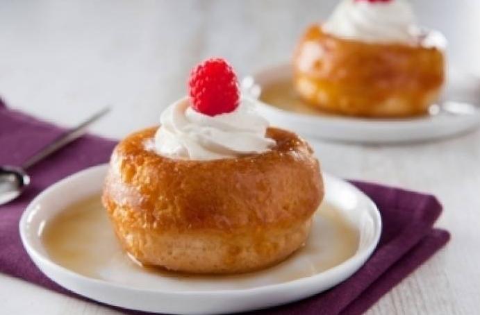 Le baba au rhum: un dessert traditionnel à la française